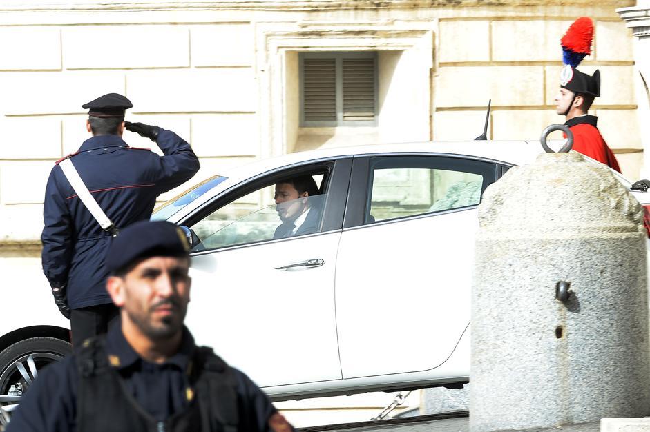 Matteo Renzi con AlfaRomeo Giulietta - www.mitoalfaromeo.com -