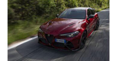 Le vendite del marchio Alfa Romeo in Italia a settembre 2021 hanno segnato – 54,73%, Stellantis Group segna – 41,50 %. L'andamento del mercato nazionale su scala mensile è a –  32,7 %.